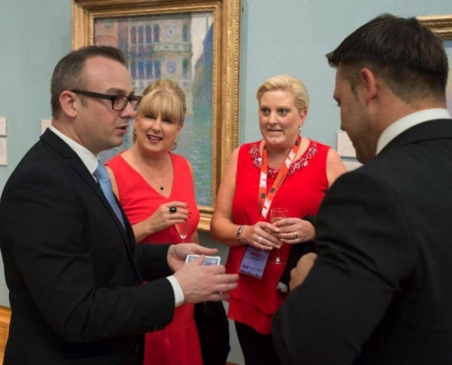 museum-wales-corporate-event-magician-pickpocket